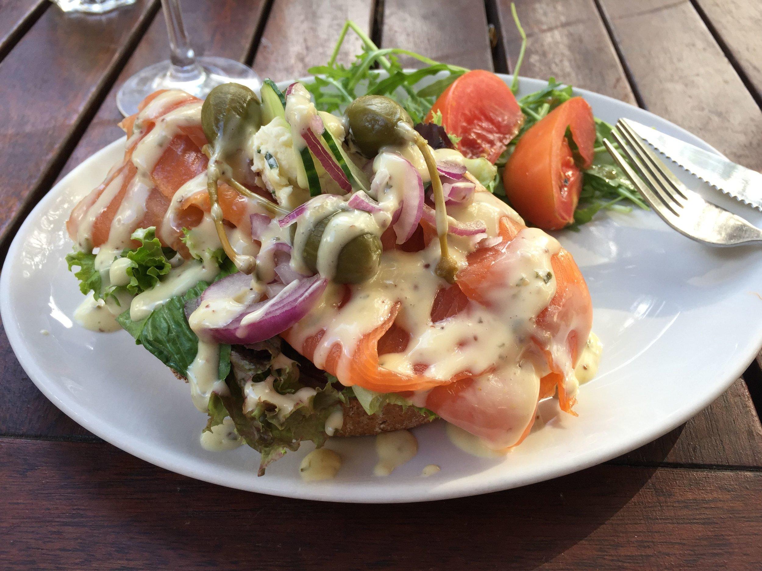 Faggion_foodblog_salmonsandwich .jpg