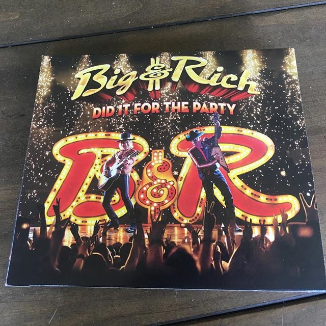 Just picked up my copy of the new @bigandrichofficial record at @walmart!! So fortunate to be apart of it!! Congratulations to everyone involved & big thanks to @bigkennytv & @johnrichofficial for giving young new writers a chance. Much love!! #turnsmeon #thelongwayhome