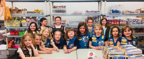 These awesome girls form Daisy and Brownie Troop 70430 joined us in April 2019 to volunteer at Cocoa Packs.