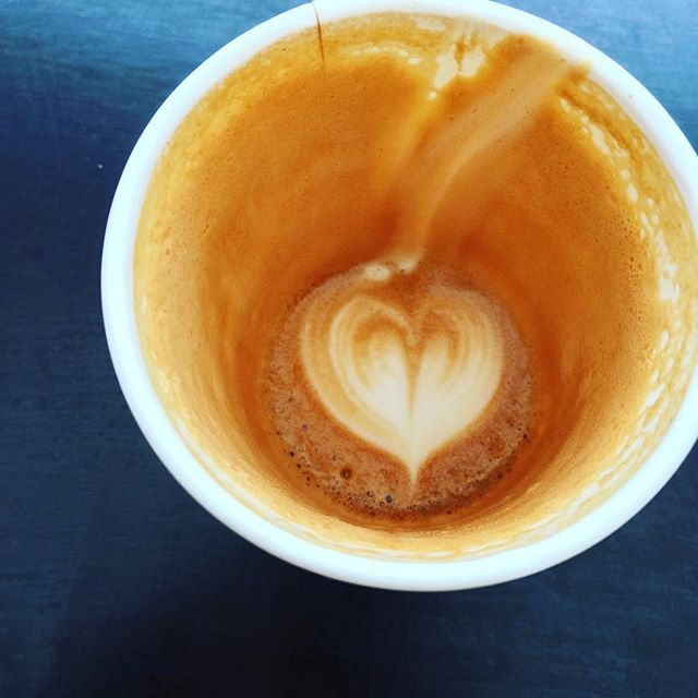 It's good all the way to the bottom😃😋☕️👌⠀ ⠀ #Coffeeseur #LejEnBarista www.coffeeseur.dk #Copenhagen #København ⠀ #Flatwhite #Latte #Latteart #Espresso #Coffee #Coffeetime #Coffeeaddict #Coffeeshop #Coffeelover #ButFirstCoffee #Coffeelove #CoffeeIsLife #Coffeebreak #Barista #Coffeebean #BaristaLife #Coffeeoftheday #Cafe #Cuppuccino #Barasso #CaffeineAddict #Mocha #CoffeeShots #ILoveCoffee #Instacoffee ⠀