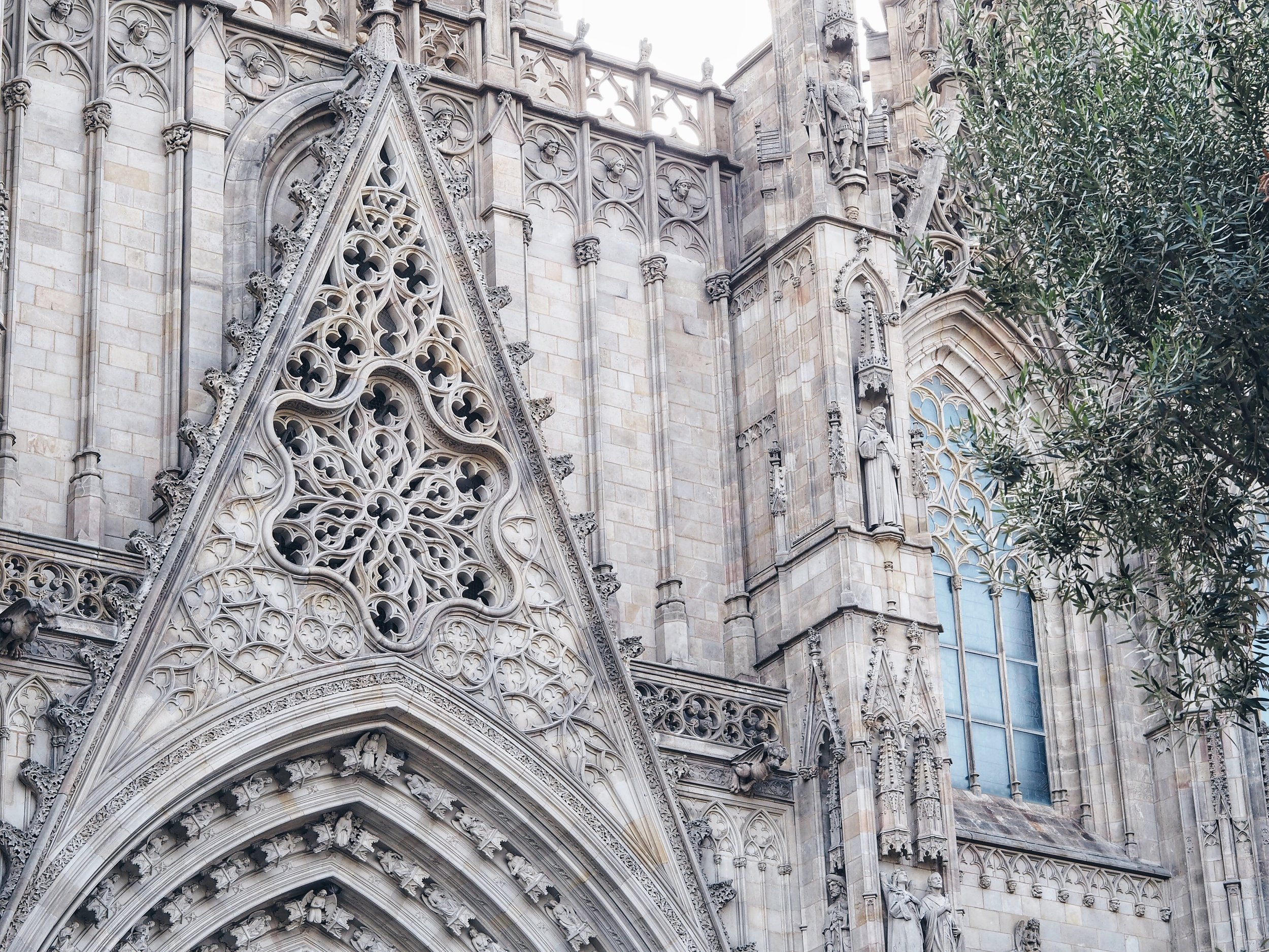spain-barcelona-cathedral-4.jpg