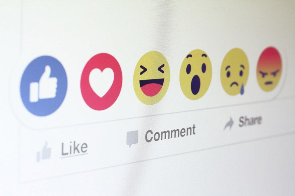 shutterstock_Facebook+options.jpg