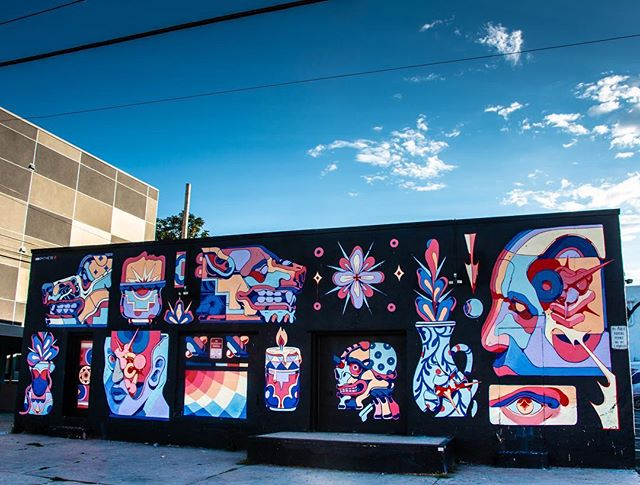 @smitheone came to Denver and CRUSHED IT with another mural filled with poignant colors. Check out the print he made for #CrushWalls on the @station16gallery 's website! 💯👊🏻