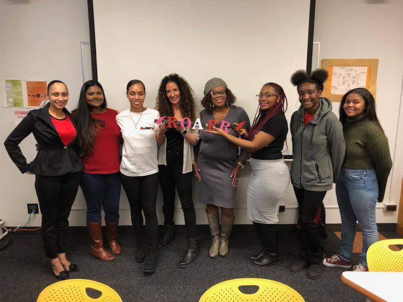 ROARR had a panel with 3 lovely women who are in media. The Women In Media panel had DJ Evie The Cool, Bianca Yarborough, and  Khit Masoud .