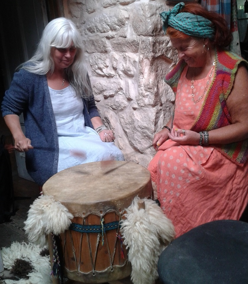 Sue Weaver and Lu Wray drumming