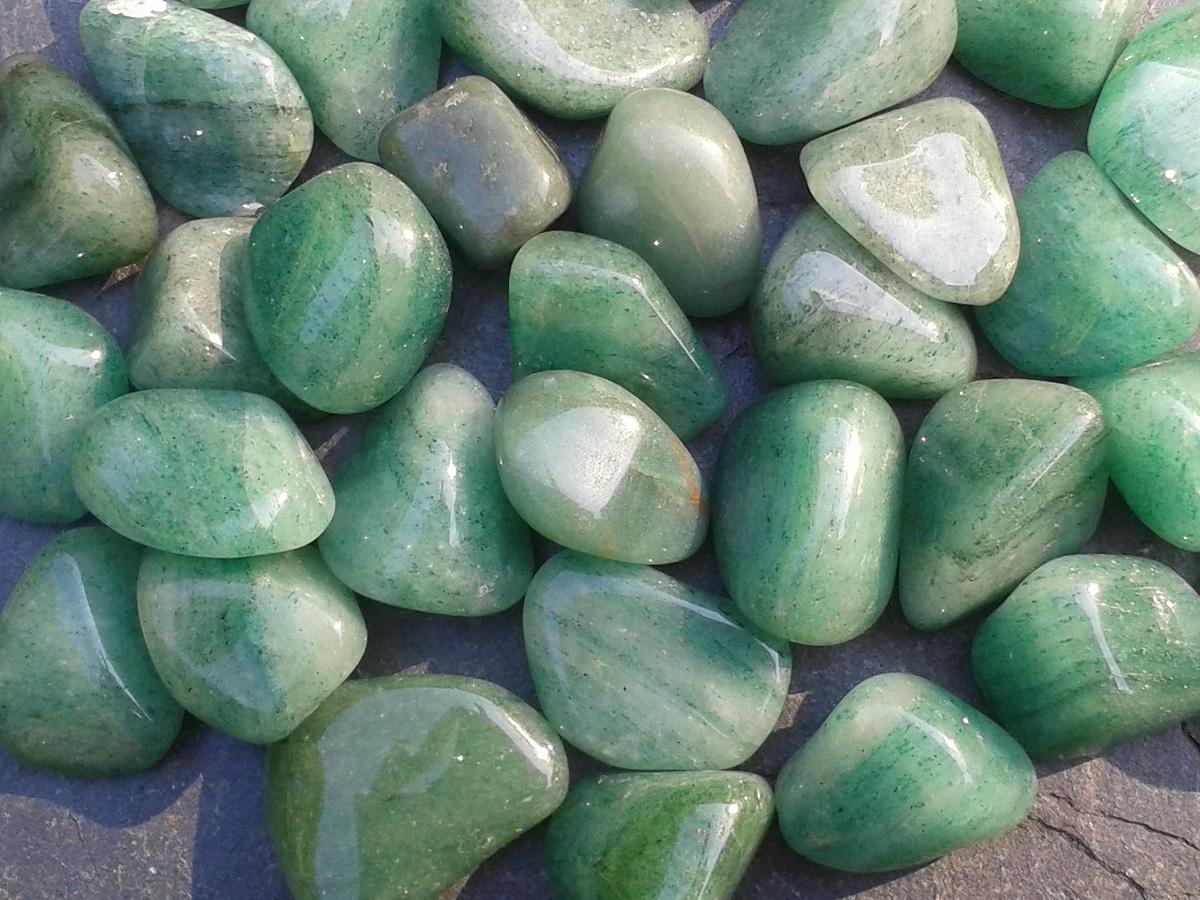 GREEN AVENTURINE - for balance and new beginnings