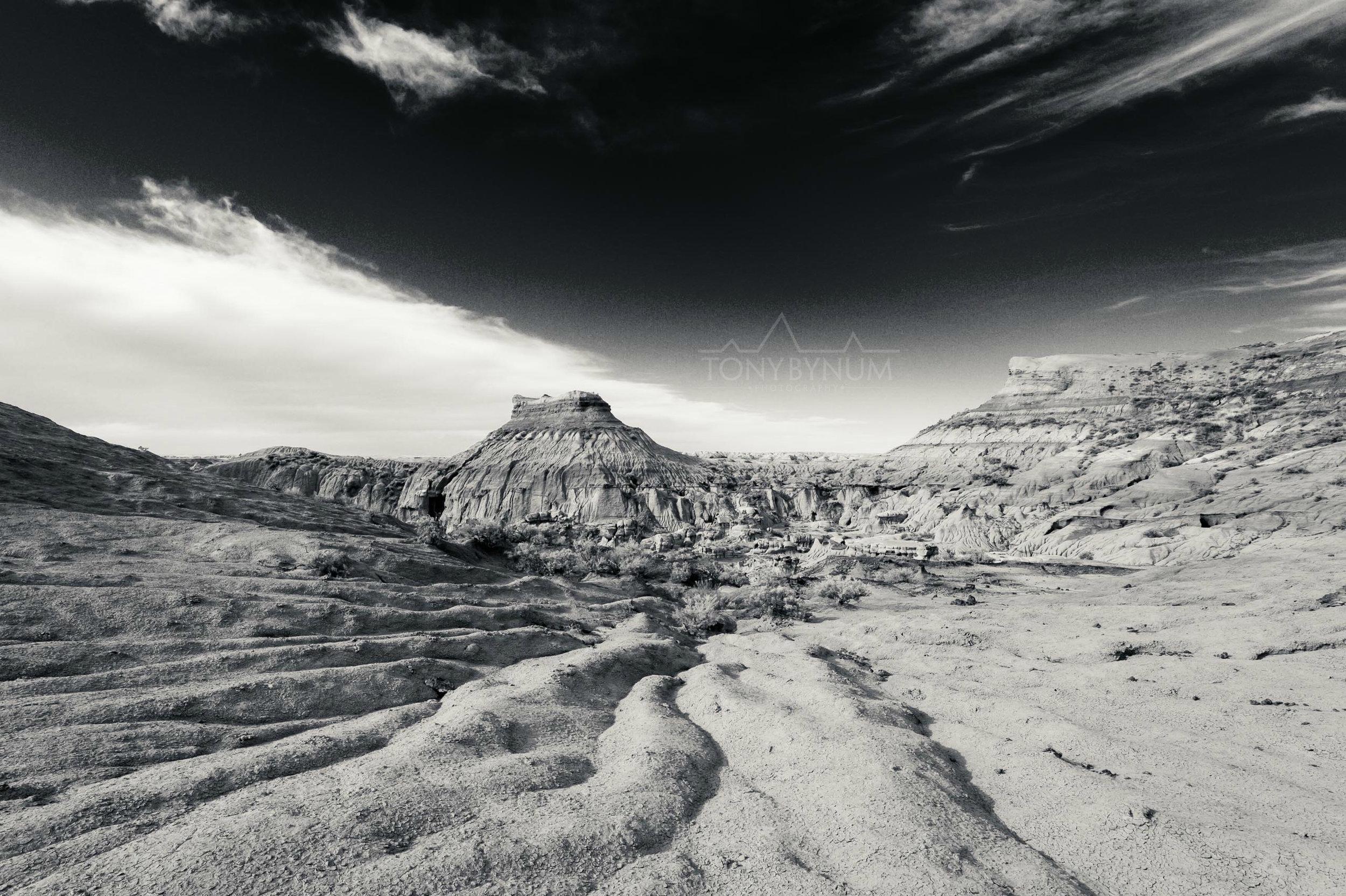 Chromatic Montana Prairie Landscape Badlands