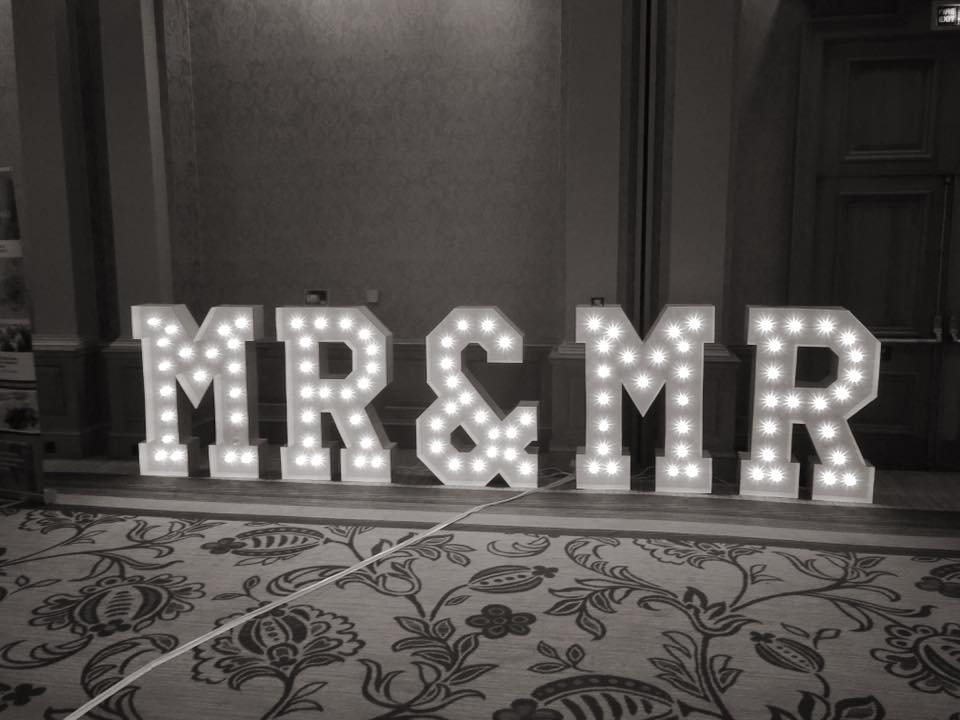 Giant MR & MR LETTERS