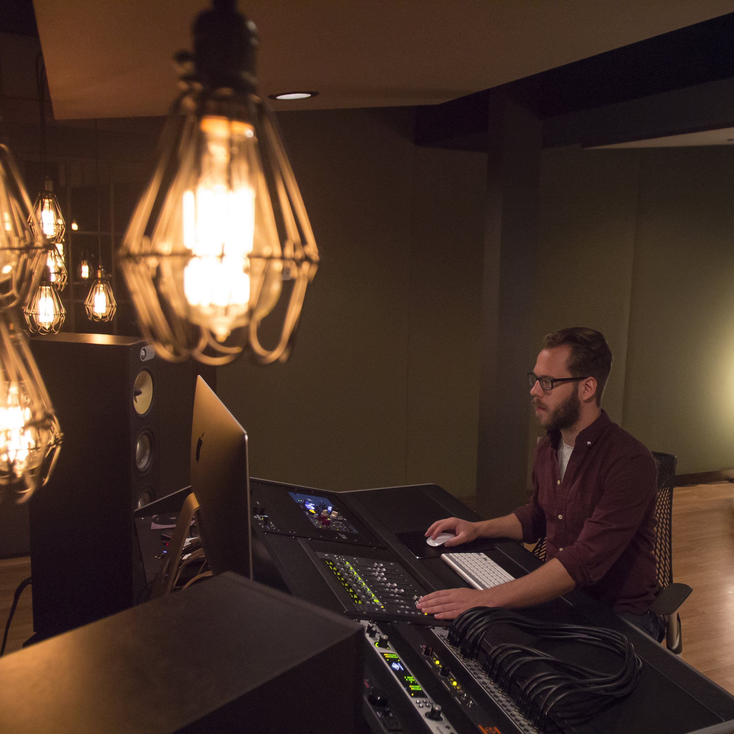 Lakevialla Studio 1x1-2628.jpg