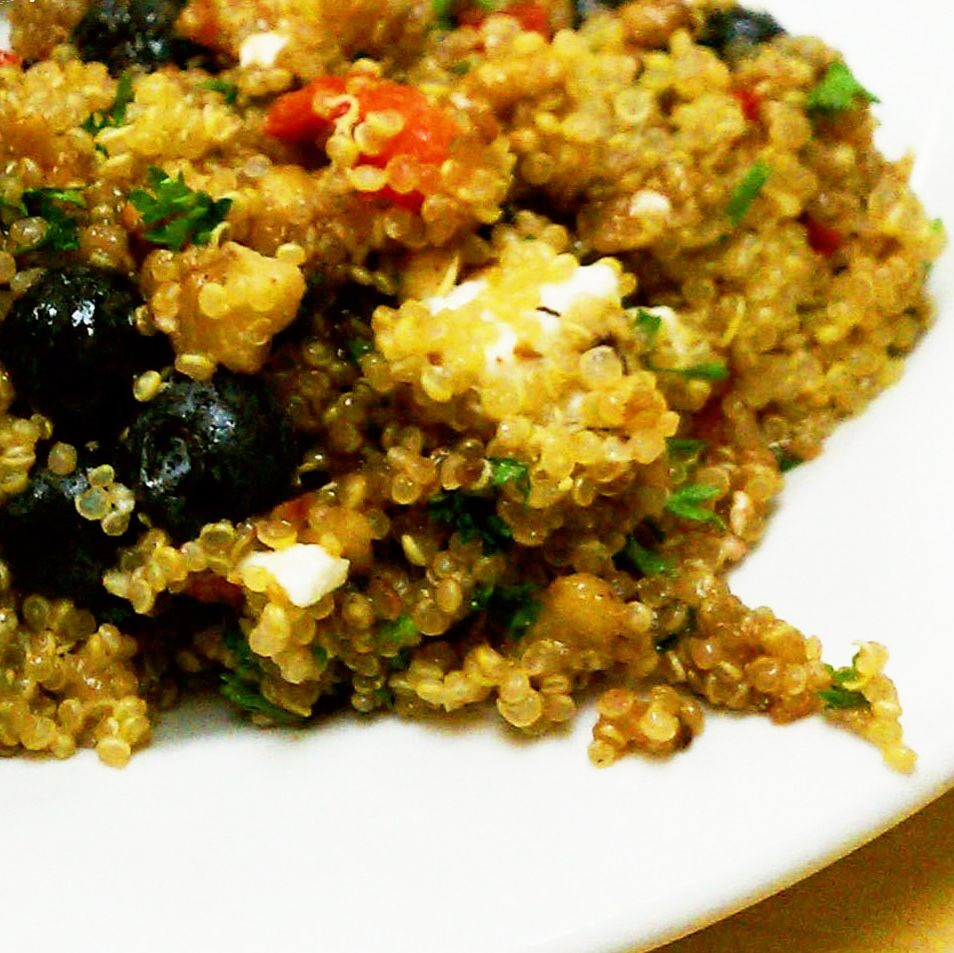 - Like aronia berry, quinoa is a nutrient-packed superfood. Fresh flavors and our zippy aronia berry cayenne vinaigrette make this the perfect side dish for any meal.