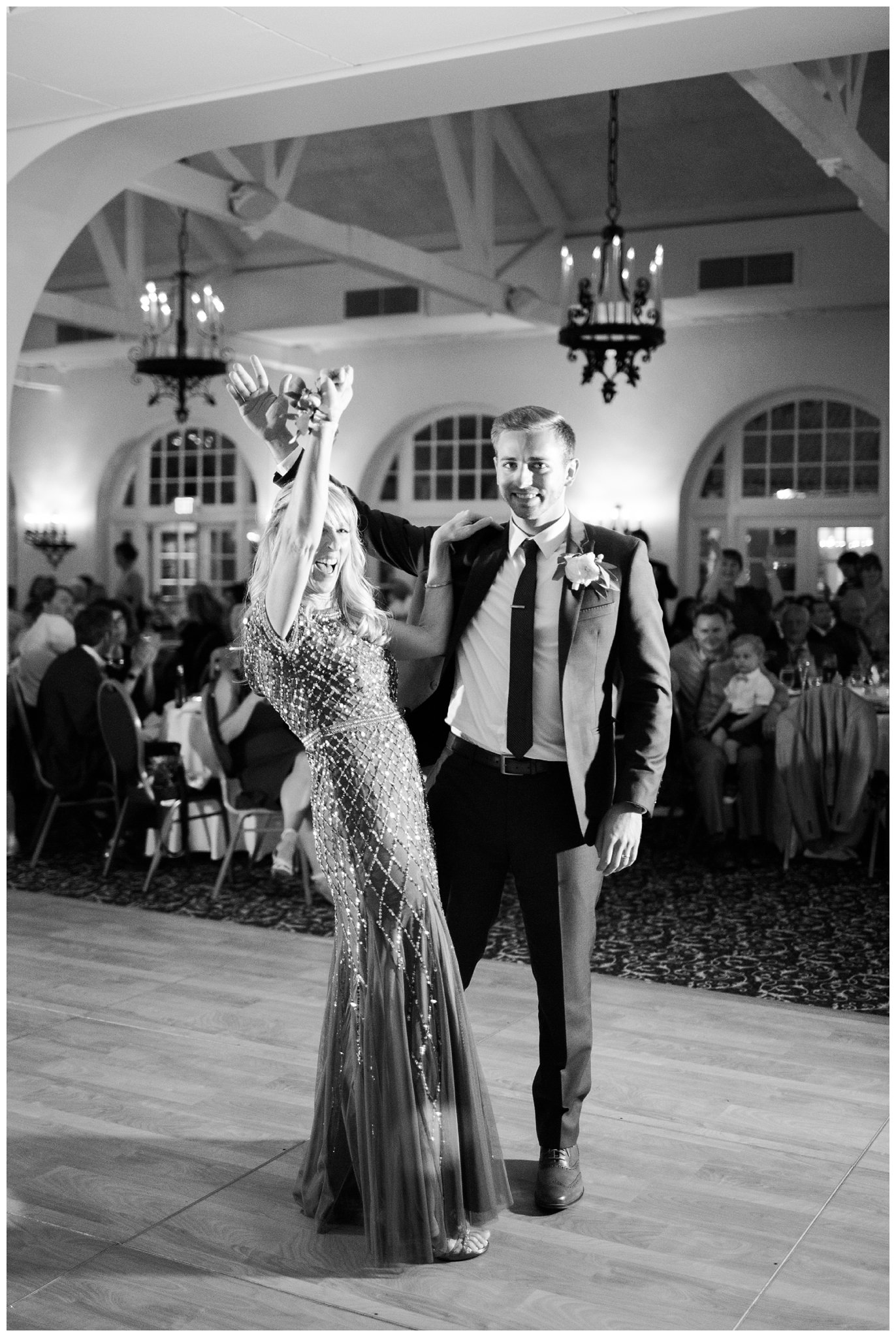 Alicia&Kurt_RavisloeCountryClubWedding_Chicagoweddingphotographer_RebeccaHaleyPhotography_0099.jpg
