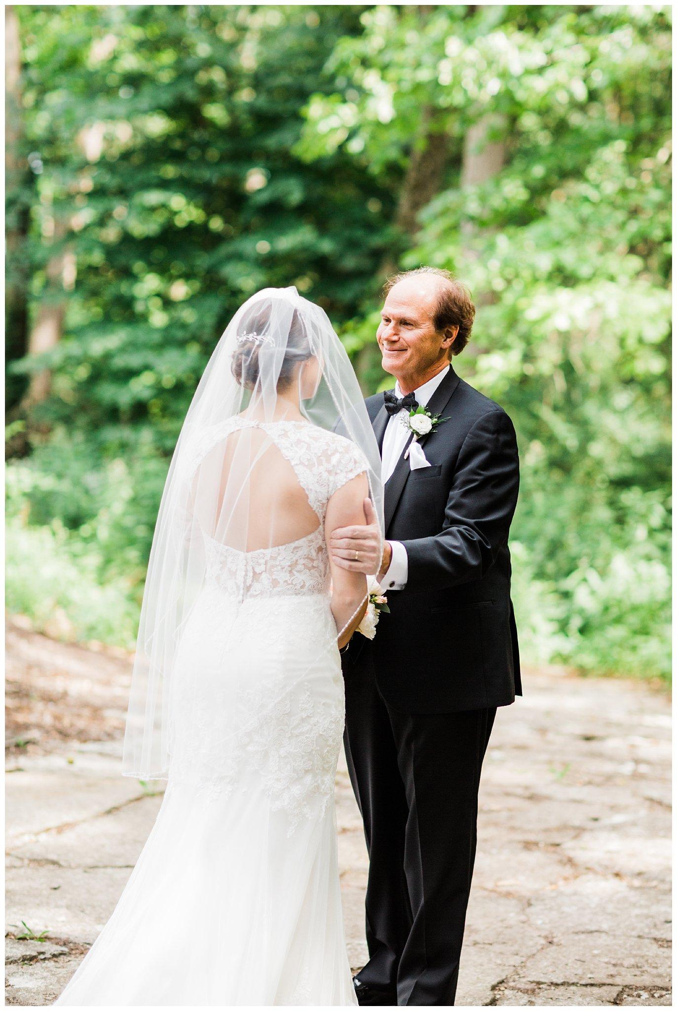 Alicia&Kurt_RavisloeCountryClubWedding_Chicagoweddingphotographer_RebeccaHaleyPhotography_0140.jpg