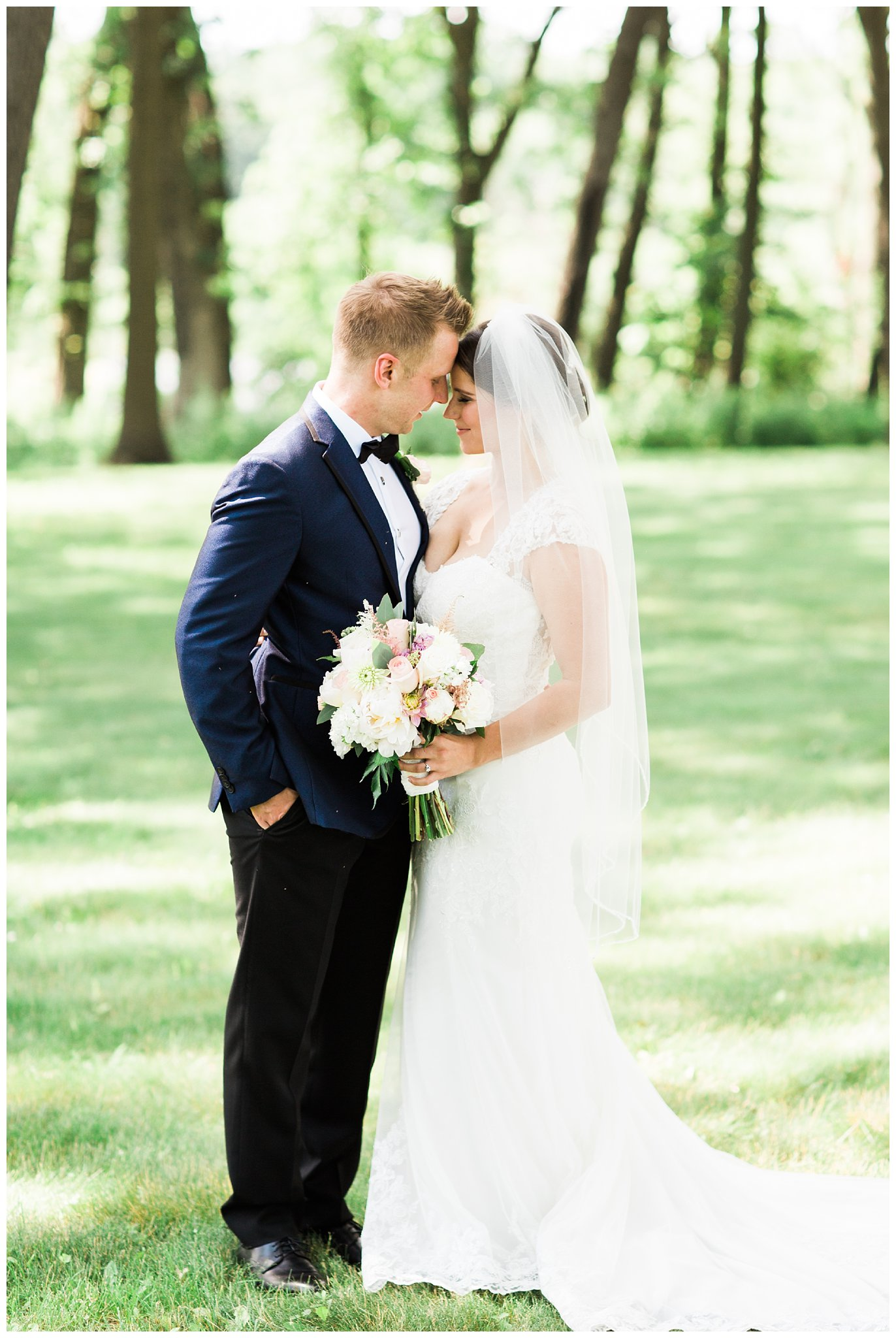 Alicia&Kurt_RavisloeCountryClubWedding_Chicagoweddingphotographer_RebeccaHaleyPhotography_0154.jpg