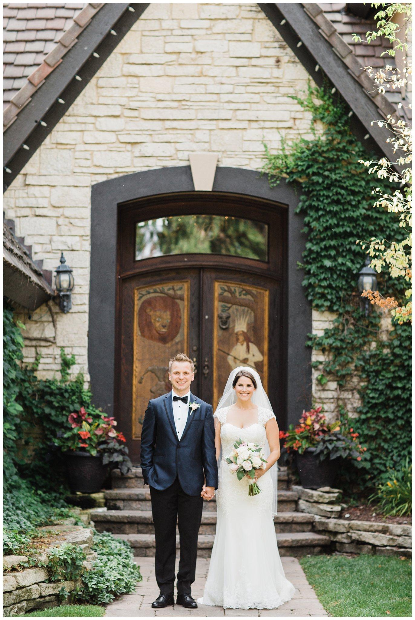 Alicia&Kurt_RavisloeCountryClubWedding_Chicagoweddingphotographer_RebeccaHaleyPhotography_0160.jpg
