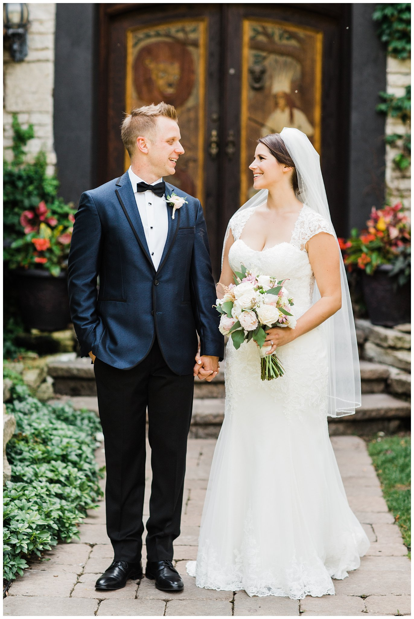 Alicia&Kurt_RavisloeCountryClubWedding_Chicagoweddingphotographer_RebeccaHaleyPhotography_0161.jpg