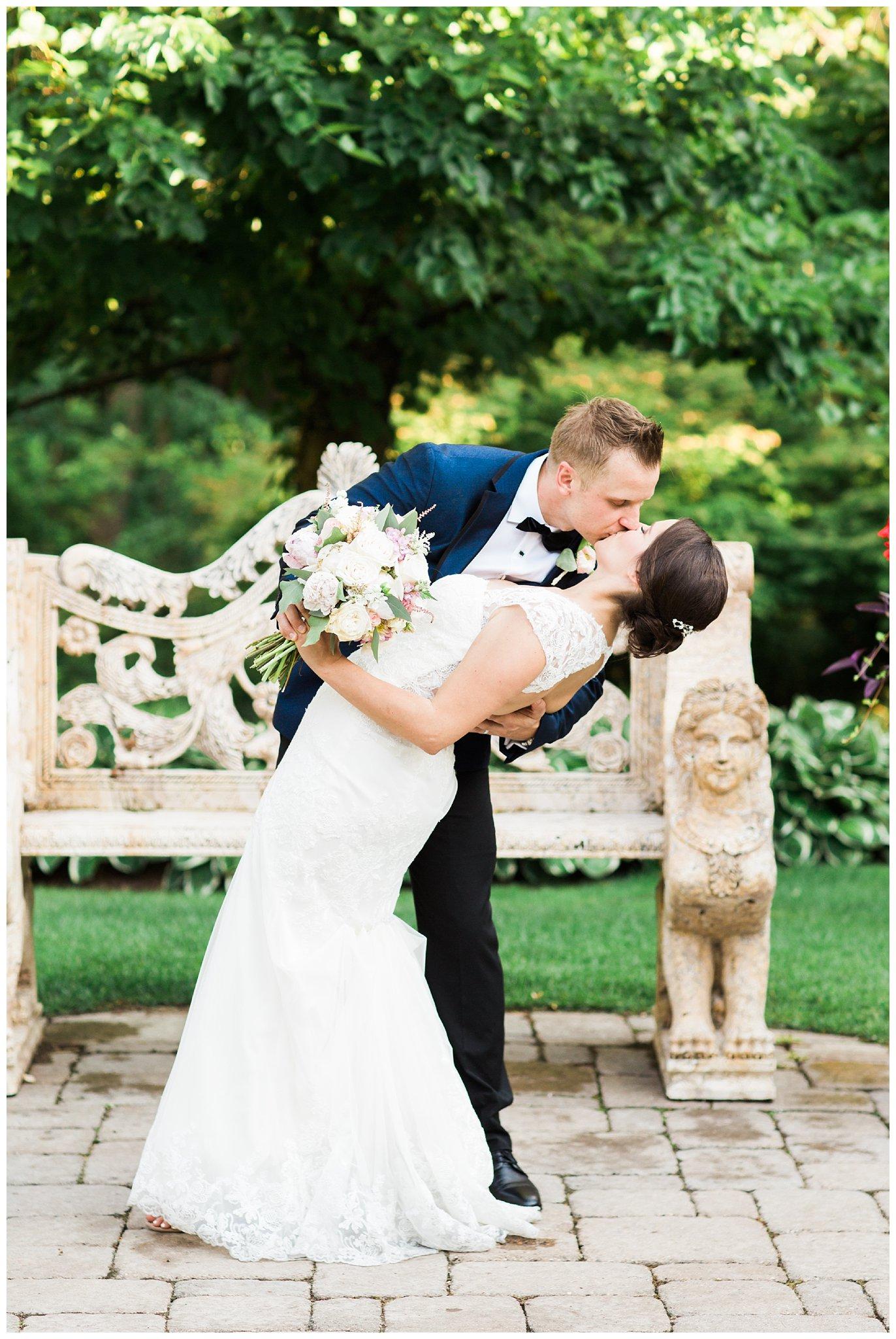 Alicia&Kurt_RavisloeCountryClubWedding_Chicagoweddingphotographer_RebeccaHaleyPhotography_0166.jpg