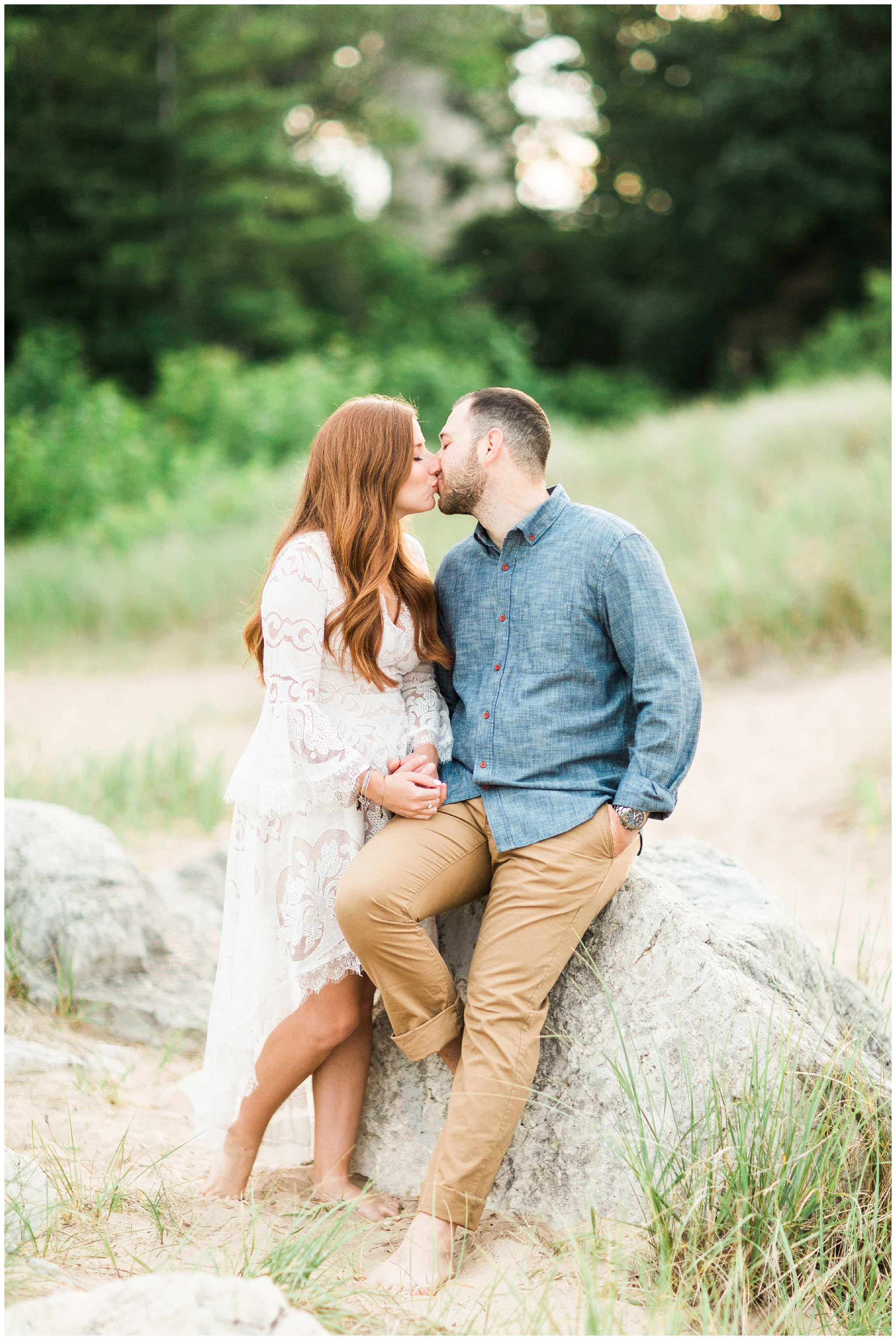 RebeccaHaleyPhotography_chicagoengagementsession_lakemichiganengagementsession_coloradoengagementphotographer_evanstonengagementphotographer_lighthousebeach_lighthousebeachengagementsession_0016.jpg