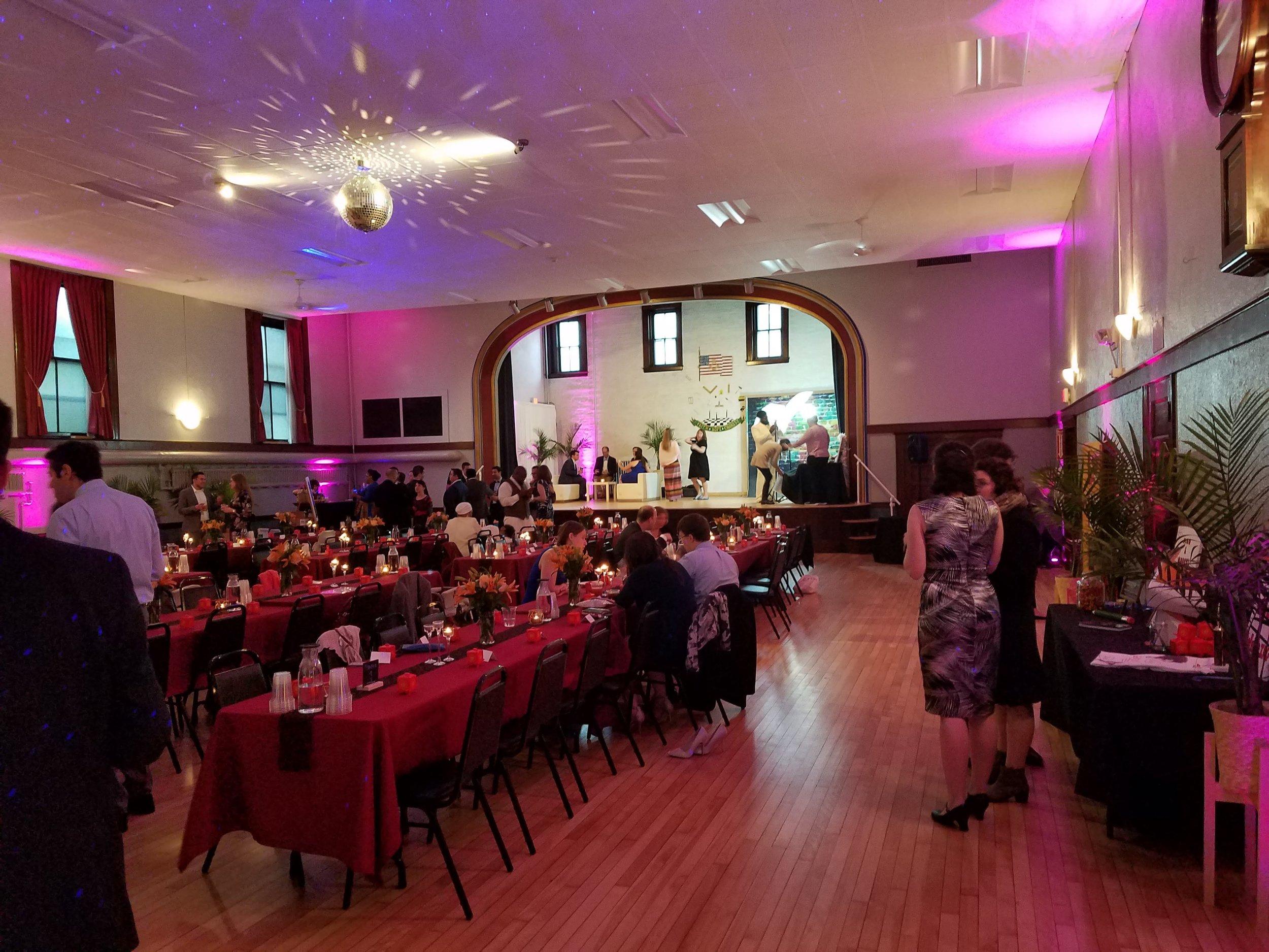 banquet4-partylowlight.jpg