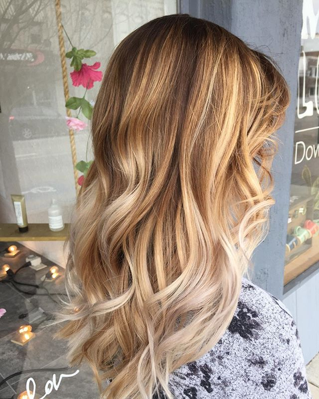 We are in the salon this week ready to make all hair dreams come true! Direct message here to get your appointment scheduled 💜 • • #infinitysalonwarsaw #warsawindiana #datenight #davinesview #viewbydavines #sunshine #appointment #dimension #photography #syracuseindiana #paintedhair #girlsnight #beachywaves #paint #hilites #goshenindiana #fortwayneindiana #syracuseindiana #lovemyhair #paint #transformation #donewithdavines #davines #maskwithvibrachrom