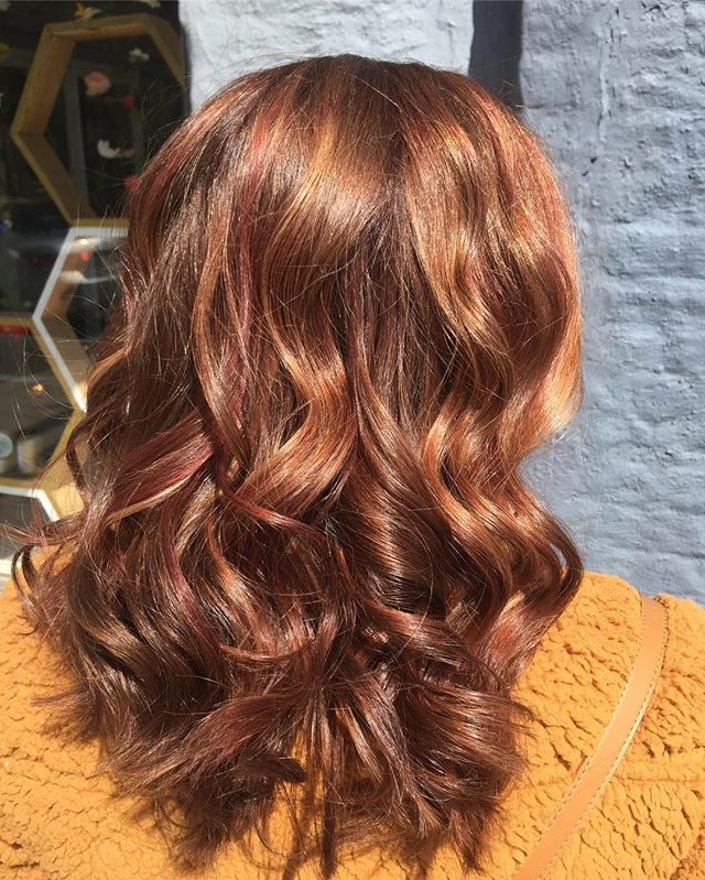 Where are all our red heads out there?! ❤️ Nothing but LOVE for you AND this sassy mane! • • •  #hairbyerica #infinitysalonwarsaw #warsawindiana #datenight #redhead #tamale #cheery #davinesview #viewbydavines #sunshine #dimension #photography #syracuseindiana #paintedhair #girlsnight #beachywaves #paint #hilites #goshenindiana #fortwayneindiana #syracuseindiana #lovemyhair #paint #transformation #donewithdavines #davines #maskwithvibrachrom
