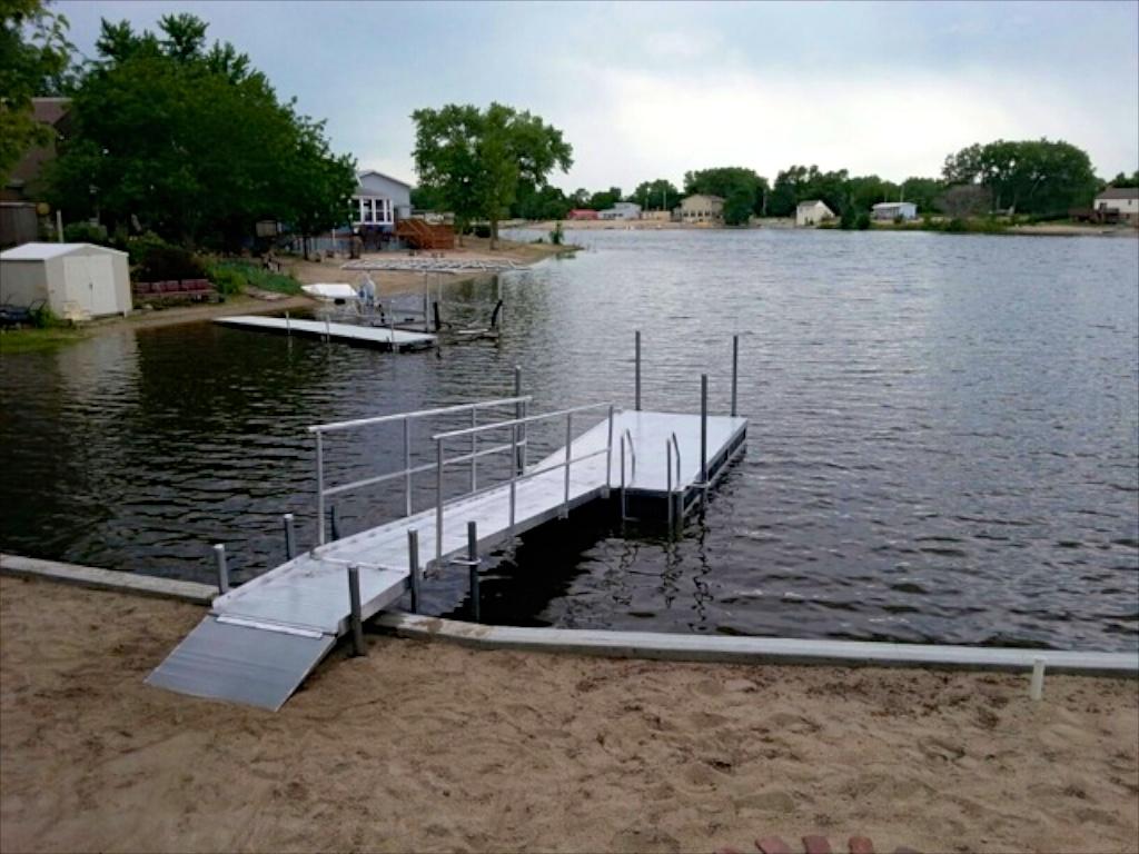 Hotwoods 612 aluminum dock and walkway, central, Nebraska.