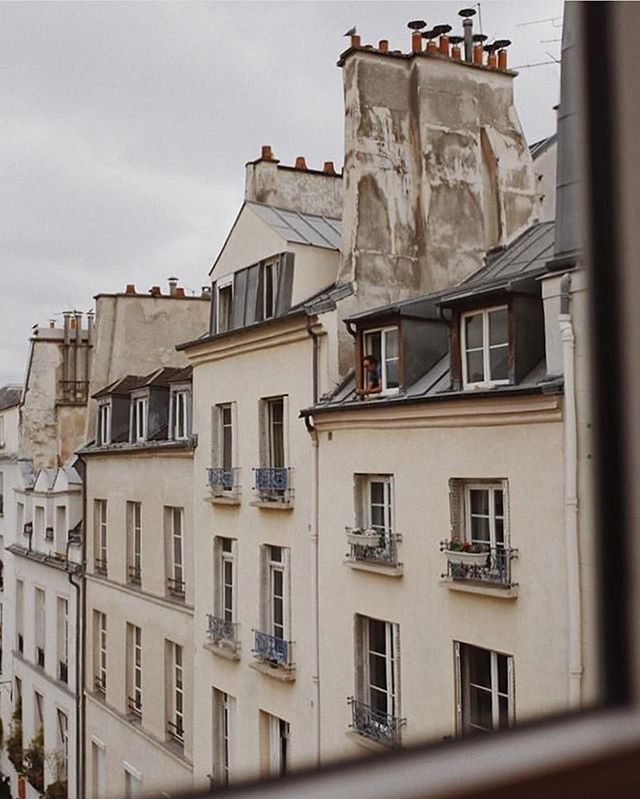 ☁️ Cloudy? We prefer to call it cozy. 📷: @rebeccaviolett