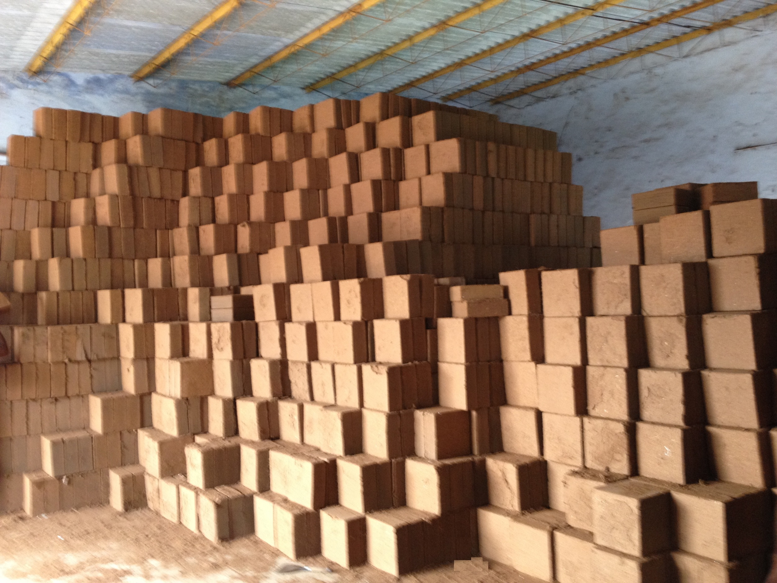 Cocopeat_Blocks_ Ready_for_Shipment.jpg