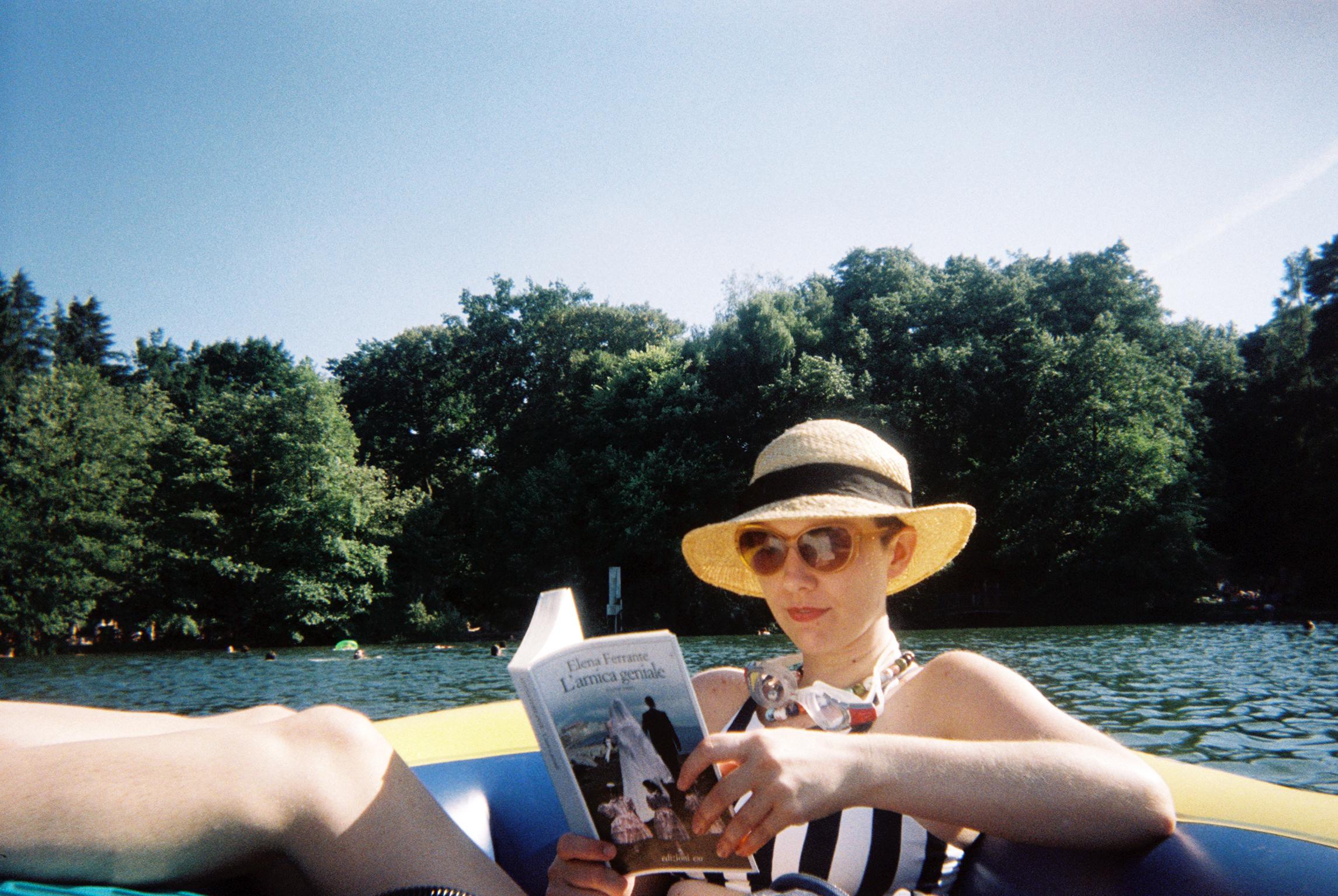 Juliet_Furst_disposable_magazine_film_2.jpg