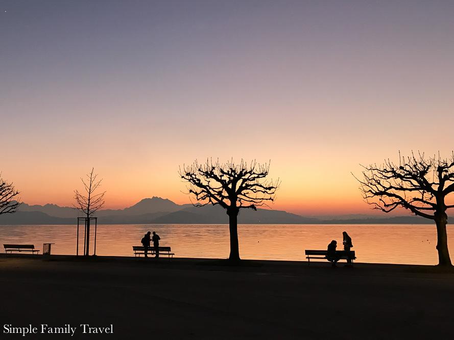 Simple Family Travel-Zugsunset