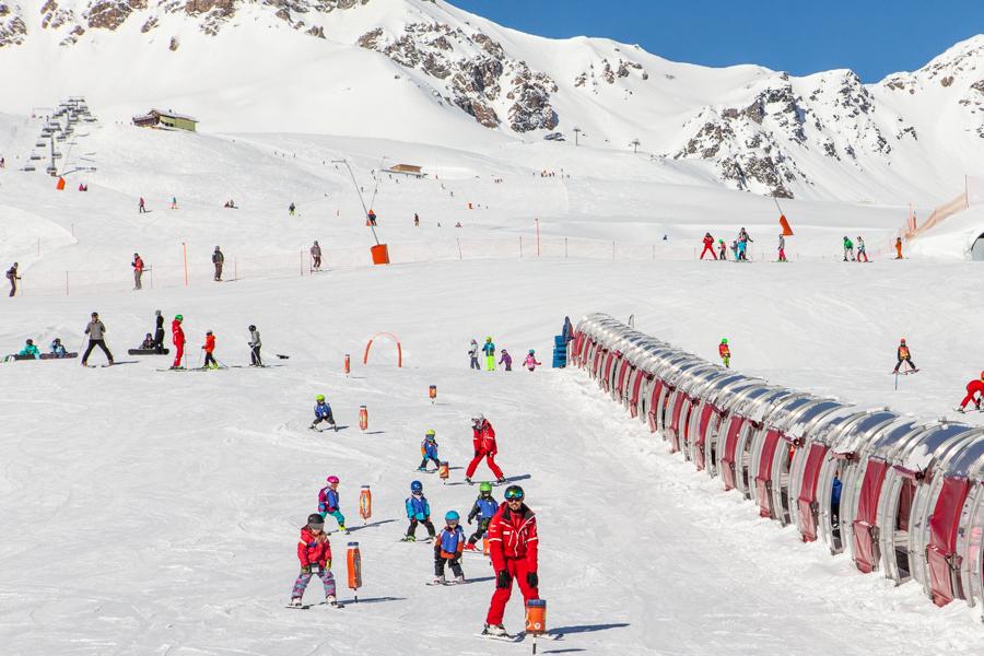 Ski School in Scuol - Swiss Family Travel