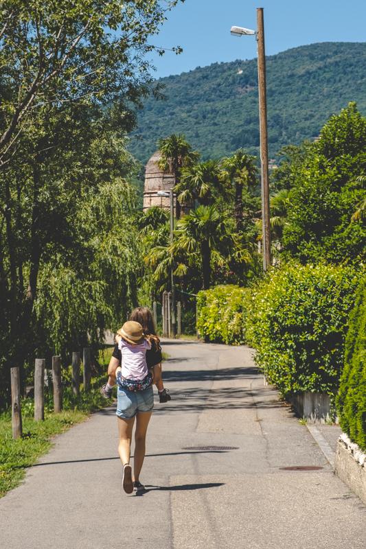 Walking through Caslano in Ticino