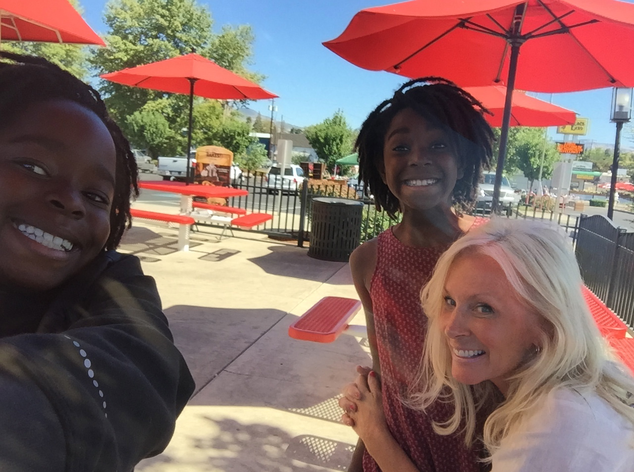"""Lula taking a """"Selfie"""" yesterday of """"Girls day out with the Fro's (Dreads) """"✌️✌️"""