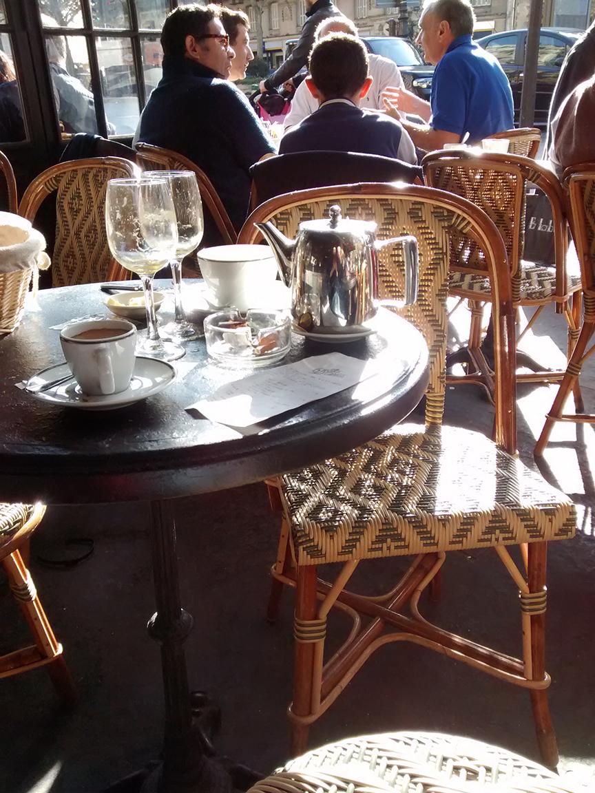 cafe-terrasse-presque-printemps.jpg