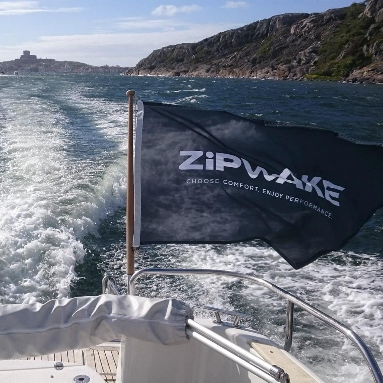 Zipwake-boat.jpg