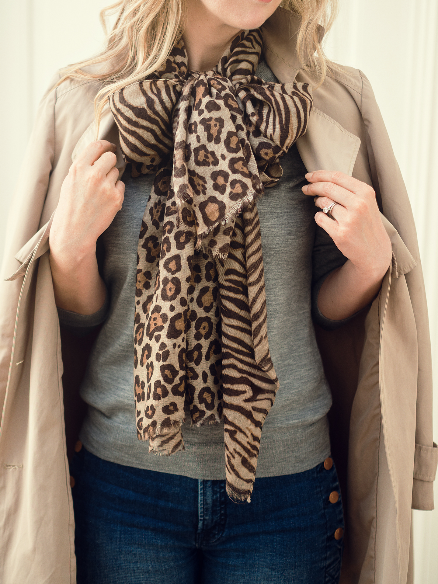 Lois Avery luxury cashmere leopard print scarf