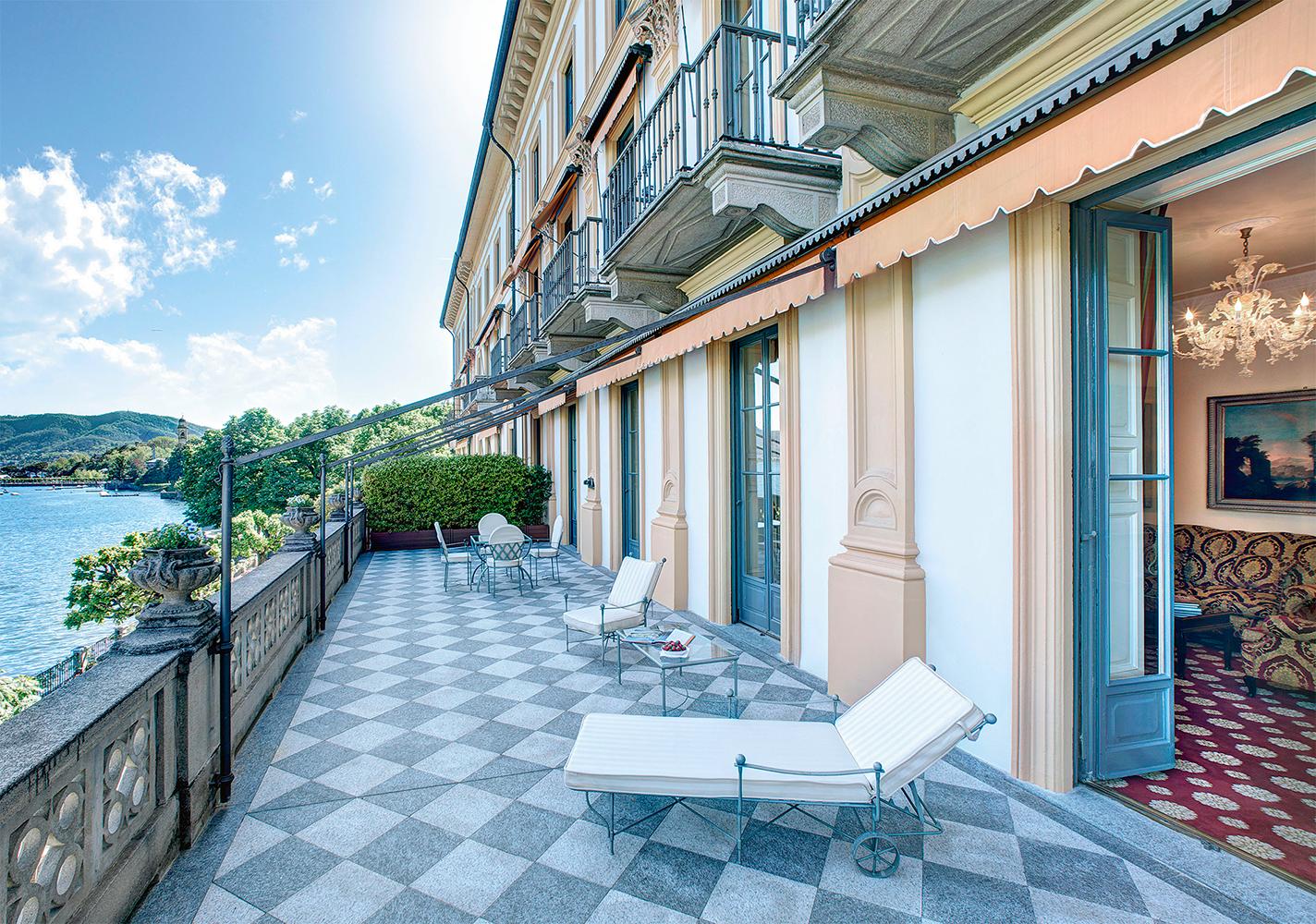 Romantic lakeside Hotels Italy Villa D'Este.jpg