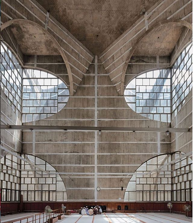 The concrete prayer hall in the #LouisKahn-designed Parliament complex (1982) in #Dhaka, Bangladesh. A beautiful meeting of light and form via @tmagazine #negativespace #alysonmagee #architecture #designinspiration #influence #nature #design
