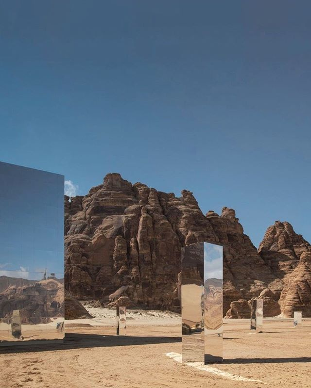 'Maraya', a site-specific mirrored installation, in the Saudi Arabian desert by Giò Forma Studio. @gioforma ⠀⠀⠀⠀⠀⠀⠀⠀⠀ The intersection of light, nature and form remains the inspiration for Alyson's designs. The 2019 Collection is now available. Learn more via alysonmagee.paris.