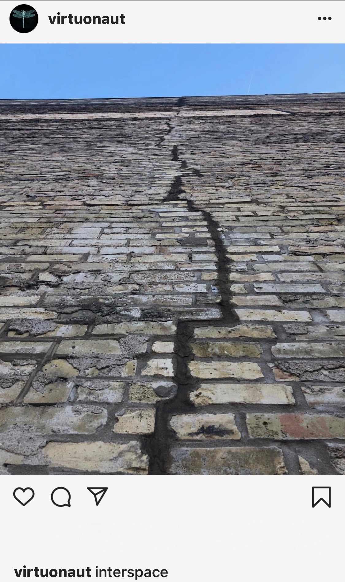 BrickWallCrack.jpeg