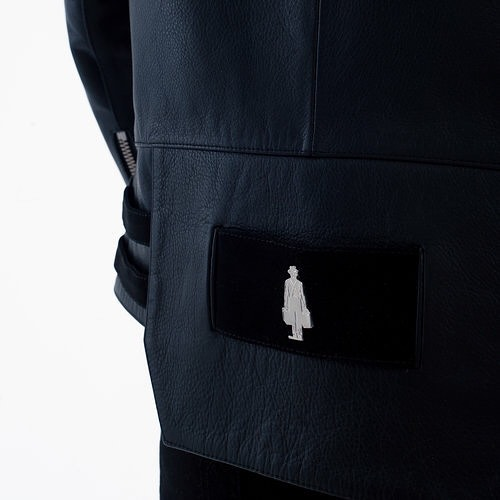 When wearing a product proudly developed by Sons of Christiania, SoC, our goal is to have you aspire to be the New Gentleman. A shiny silver rivet placed on the backside will follow you on your path to become one. No words; make your style be loud, silent talk-walker