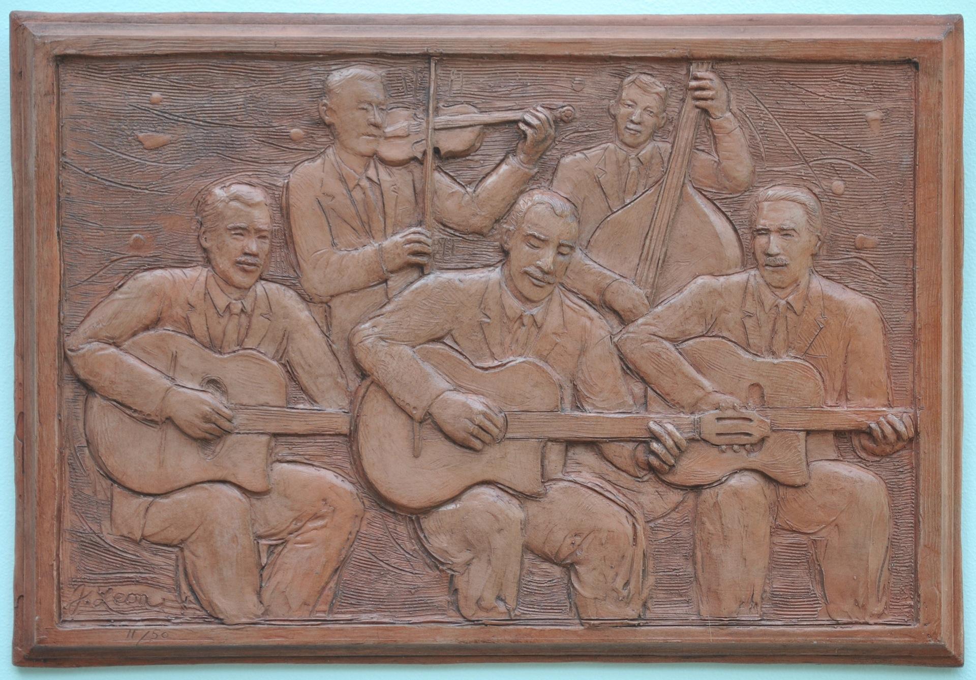 Le Hot Quintet Outside 1920.JPG