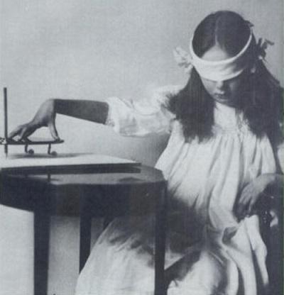 Girl-wigi-board.jpg