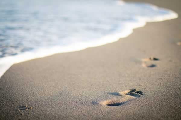 single footprints in the sand