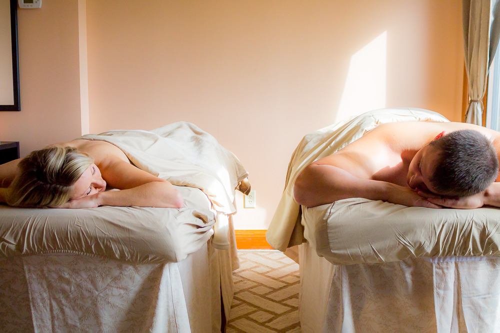 Couples_Massage_Excellent_Romantic_Gift_For_Rest_and_Relaxing_