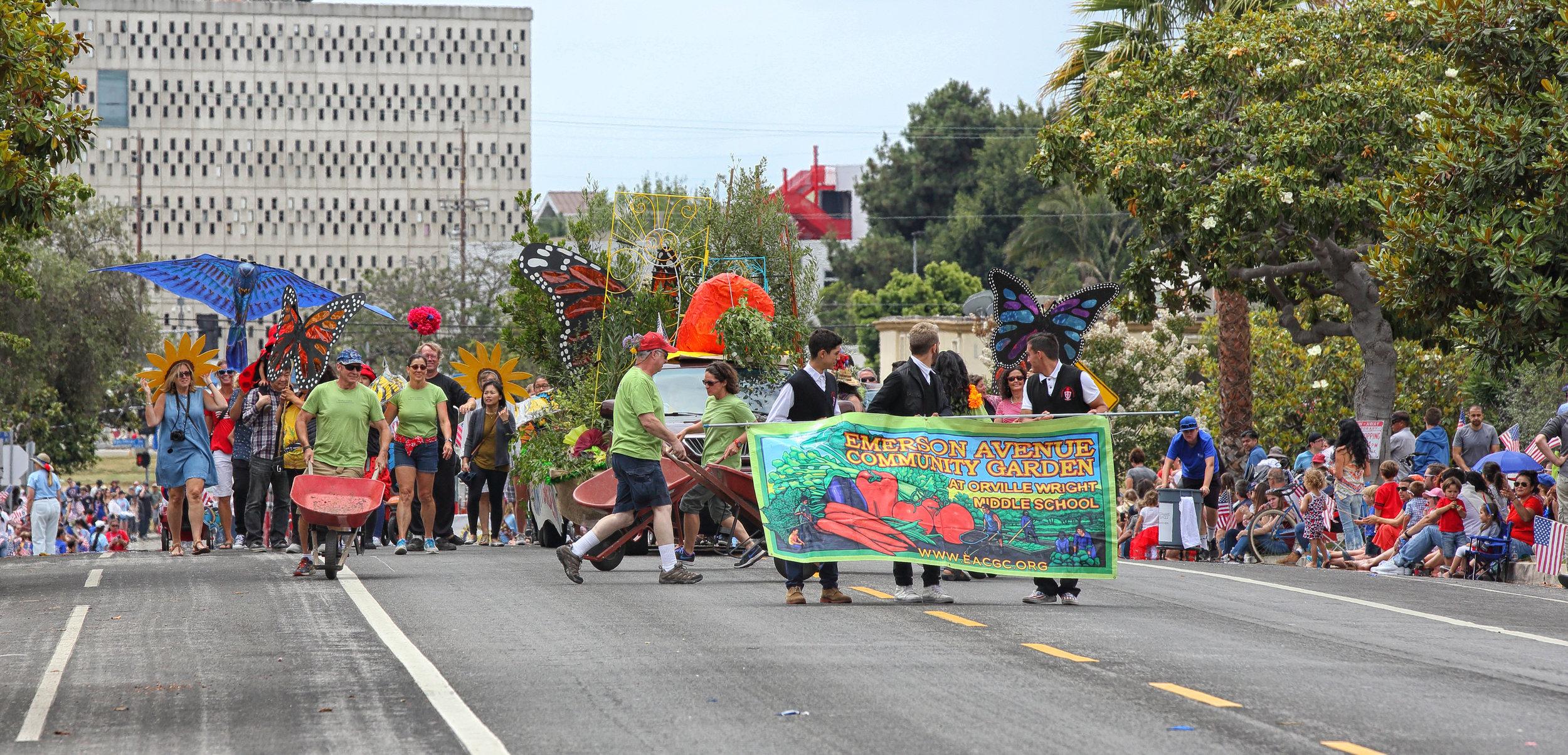 emerson avenue community garden parade 2016