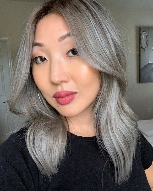client selfie alert 🤳 @viv.eee  This is too good not to share! We did an xtra full head of #babylights for this babe! Note: this is not our first session, and my client gets a haircut every 6 weeks/maintains her hair really well! 💫 #HAIRXJOJO #HAIRBYJOANNECHUNG