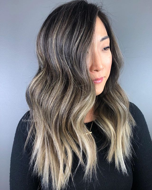 Dimensional brunette ✨ Lightened and tone with @wellahairusa 💕 toner formula: 9/16 + 10/1 + a smidge of 0/68! 👍🏻 #HAIRXJOJO #HAIRBYJOANNECHUNG