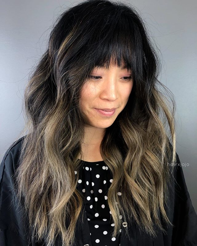 Love me a rooty balayage with a fringe 😍✨ Lifted and toned with @wellahairusa 💕 #HAIRXJOJO #HAIRBYJOANNECHUNG