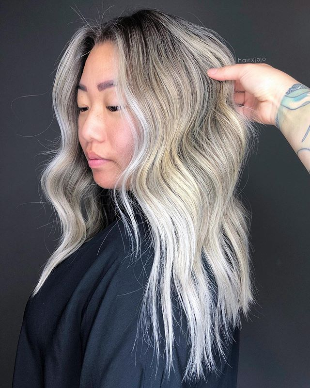 the S U S I E ✨ my ice queen A full head of #teasylights were done to achieve this color. She had old foilayage on her ends so this session created more icey bits which was a plus ❄️✨ #HAIRXJOJO #HAIRBYJOANNECHUNG
