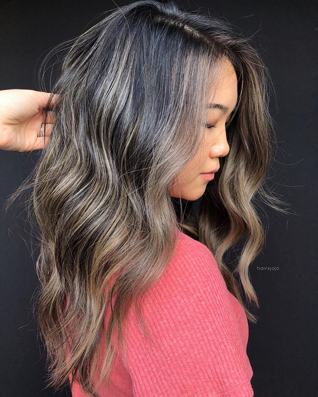 ASHed out strands✨ #foilayage was the technique, #wella was the weapon 💪🏻 #HAIRXJOJO #HAIRBYJOANNECHUNG @wellahairusa